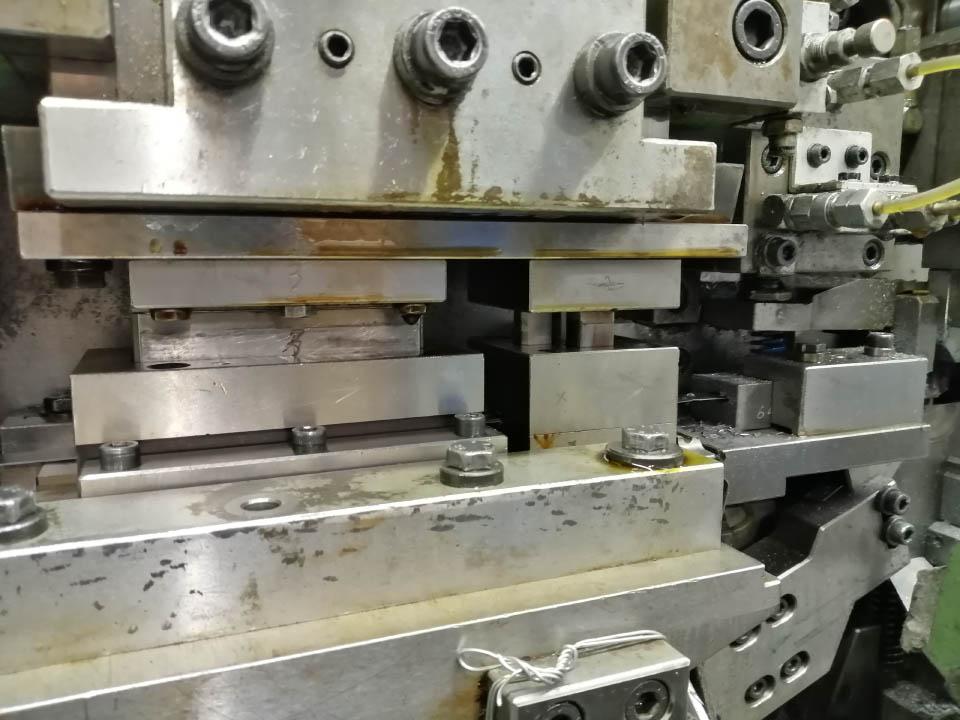 stampaggio filo metallico