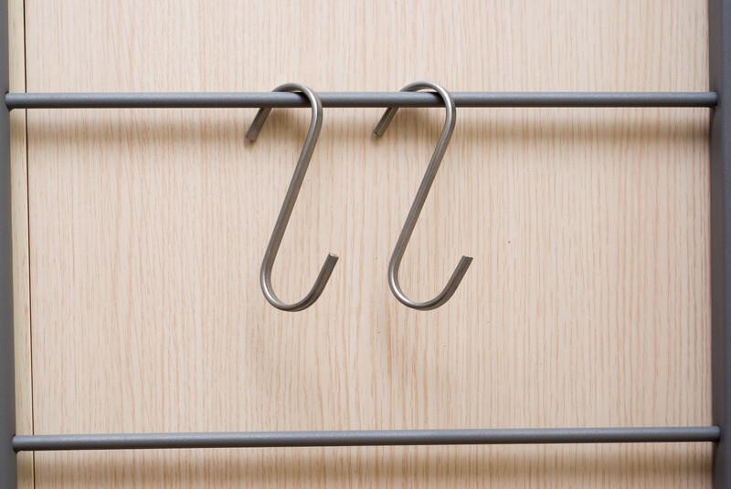 Metal wire hooks